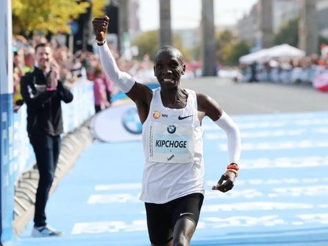 eliud-kipchoge-rompe-el-record-del-mundo-en-el-maraton-de-berlin-534470